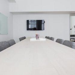 практични офис мебели